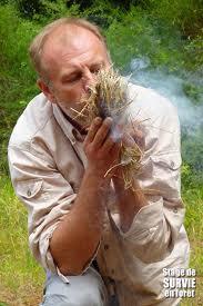 Denis Tribaudeau vous enseigne l'art de survie en forêt dans Loisirs denis-tribaudeau