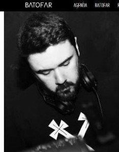 Le DJ portugais Photonz au Batofar